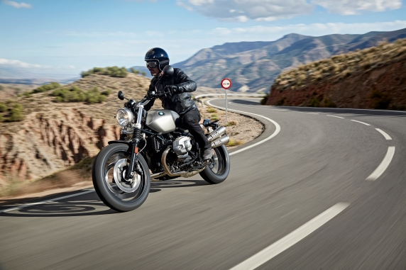 P90203075_highRes_the-new-bmw-r-ninet-