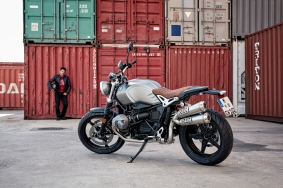 P90203084_highRes_the-new-bmw-r-ninet-