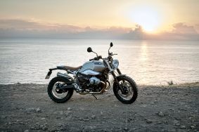 P90203121_highRes_the-new-bmw-r-ninet-