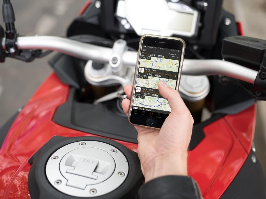 BMW bringt Biker und Socialmediazusammen.
