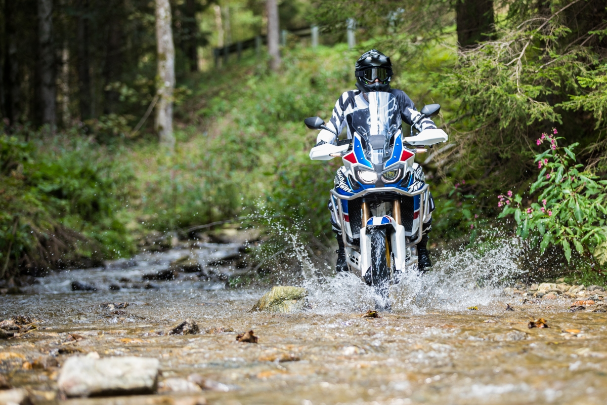 Die Africa Twin Adventure Sports...