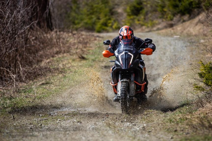 Bridgestone Battlax AX 41 Adventurecross, neuer Platzhirsch imGelände?