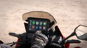 20YM Africa Twin Apple Car Play