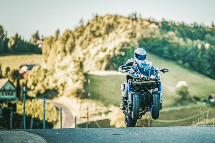Yamaha NIKEN – Ein Bike vom anderenStern?